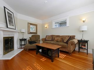 Photo 2: 1566 Yale St in Oak Bay: OB North Oak Bay House for sale : MLS®# 843936