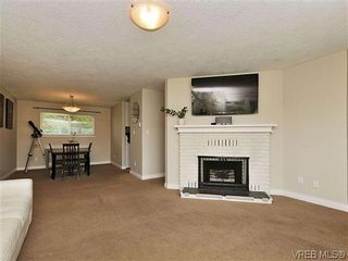 Photo 3: 9619 Barnes Pl in SIDNEY: Si Sidney South-West House for sale (Sidney)  : MLS®# 641441