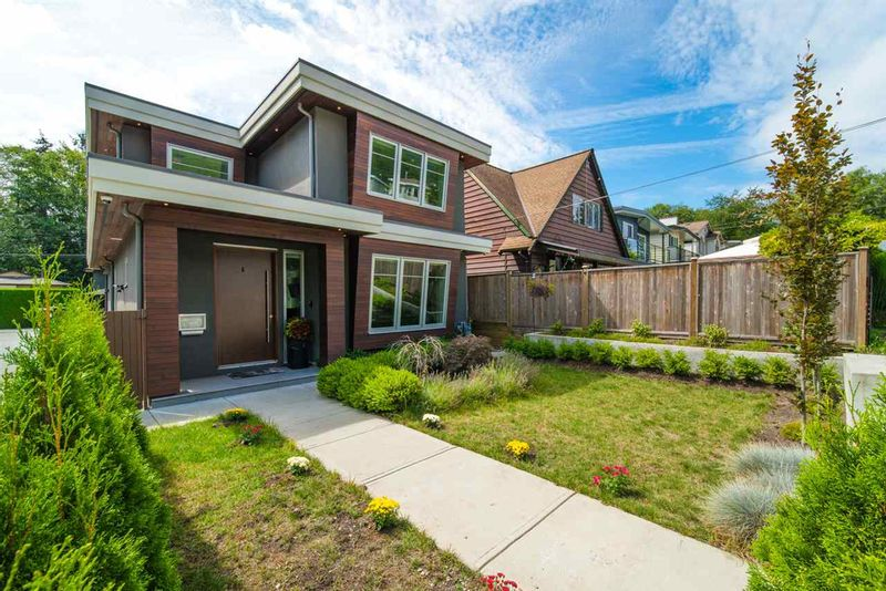 FEATURED LISTING: 1415 HAROLD Road North Vancouver