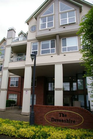"""Photo 1: 302 45700 WELLINGTON Avenue in Chilliwack: Chilliwack W Young-Well Condo for sale in """"The Devonshire"""" : MLS®# R2284567"""