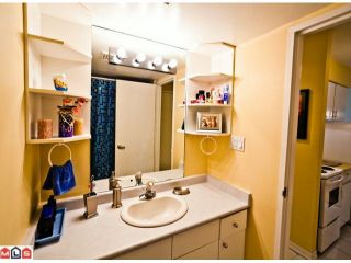 """Photo 8: 220 1442 BLACKWOOD Street: White Rock Condo for sale in """"Blackwood Manor"""" (South Surrey White Rock)  : MLS®# F1106343"""