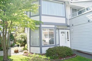 """Photo 3: 5 9253 122 Street in Surrey: Queen Mary Park Surrey Townhouse for sale in """"Kensington Gate"""" : MLS®# R2162184"""