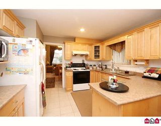"""Photo 7: 15875 99A Avenue in Surrey: Guildford House for sale in """"FLEETWOOD"""" (North Surrey)  : MLS®# F2914967"""