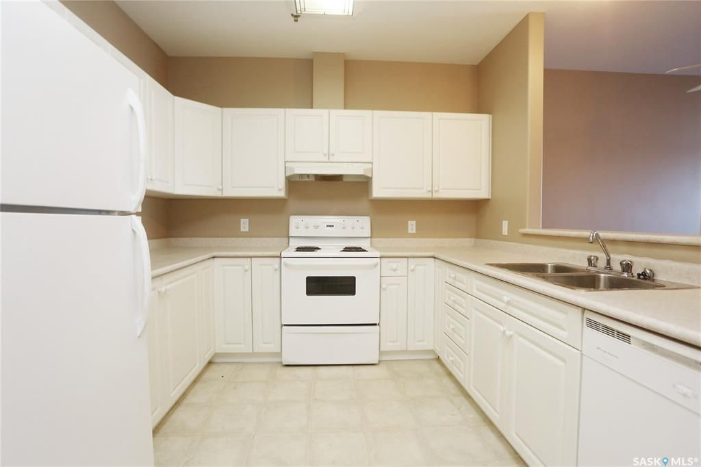 Photo 4: Photos: 204 302 Nelson Road in Saskatoon: University Heights Residential for sale : MLS®# SK800364