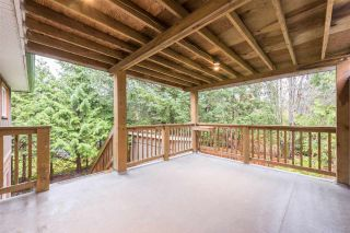 Photo 8: 1328 ZENITH Road in Squamish: Brackendale 1/2 Duplex for sale : MLS®# R2121750