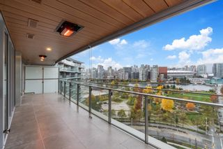 """Main Photo: 1413 1768 COOK Street in Vancouver: False Creek Condo for sale in """"Avenue one"""" (Vancouver West)  : MLS®# R2628727"""