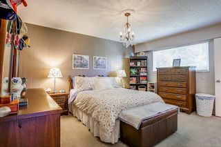 Photo 6: 8736 TULSY Crescent in Surrey: Queen Mary Park Surrey House for sale : MLS®# R2192315