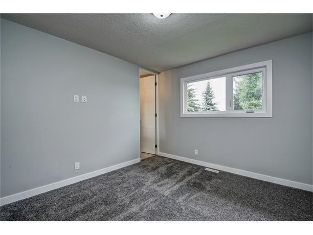 Photo 26: Photos: 448 CEDARPARK Drive SW in Calgary: Cedarbrae House for sale : MLS®# C4084629