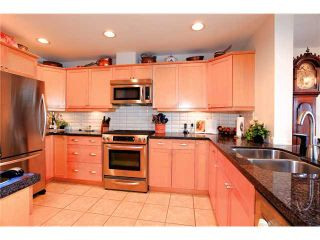 Photo 8: 8683 SEASCAPE Drive in West Vancouver: Howe Sound Townhouse for sale : MLS®# V1042372