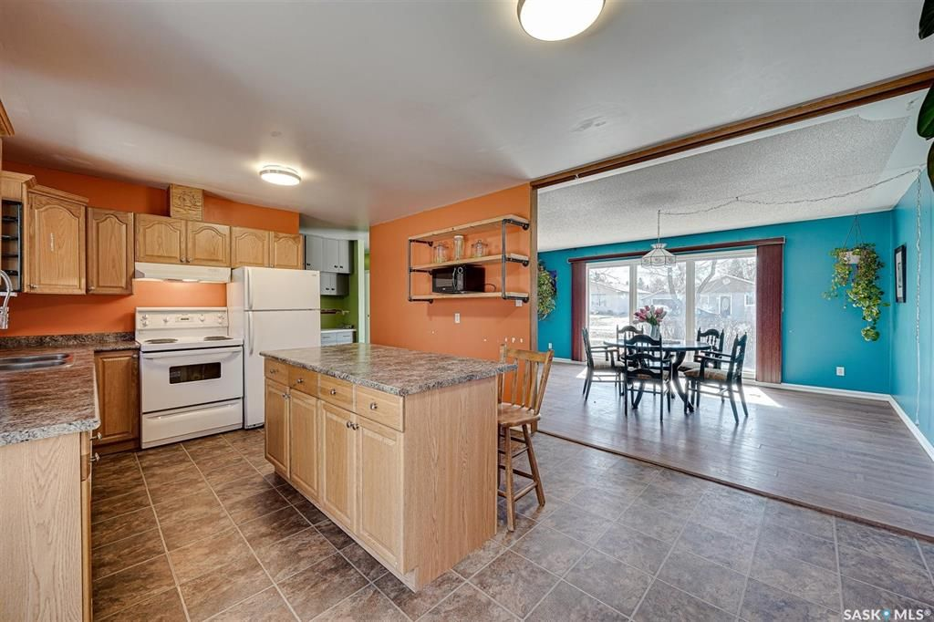Photo 7: Photos: 105 2nd Street East in Langham: Residential for sale : MLS®# SK849707