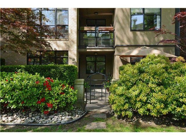 "Main Photo: 110 2181 W 10TH Avenue in Vancouver: Kitsilano Condo for sale in ""The Tenth Avenue"" (Vancouver West)  : MLS®# V1006215"