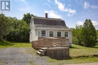 Main Photo: 4 Starr Street in Springhill: House for sale : MLS®# 202118778