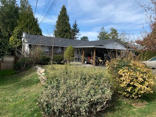 Main Photo: 5865 182 Street in Surrey: Cloverdale BC House for sale (Cloverdale)  : MLS®# R2552439