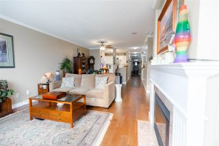 """Photo 8: 907 612 SIXTH Street in New Westminster: Uptown NW Condo for sale in """"The Woodward"""" : MLS®# R2505938"""