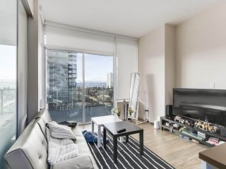 "Photo 6: 907 6383 MCKAY Avenue in Burnaby: Metrotown Condo for sale in ""Gold House"" (Burnaby South)  : MLS®# R2532723"