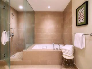 """Photo 13: 2001 1111 ALBERNI Street in Vancouver: West End VW Condo for sale in """"SHANGRI-LA"""" (Vancouver West)  : MLS®# R2565031"""
