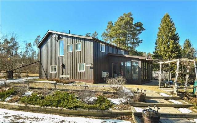 Main Photo: 934047 Airport Road in Mono: Rural Mono House (1 1/2 Storey) for sale : MLS®# X3733690