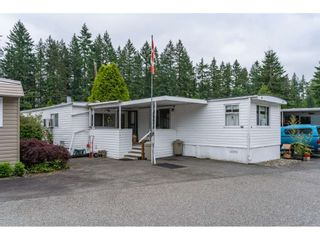 Photo 1: 68 9080 198 Street in Langley: Walnut Grove Manufactured Home for sale : MLS®# R2373113