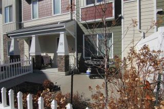 Photo 2: 20 2003 RABBIT HILL Road NW in Edmonton: Zone 14 Townhouse for sale : MLS®# E4238123