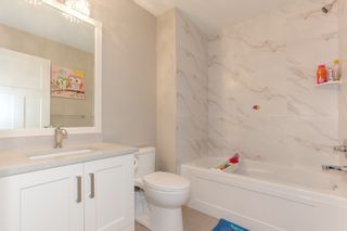 Photo 18: 20399 Hartnell Avenue in The Palisades on Westside: Home for sale : MLS®# R2213613