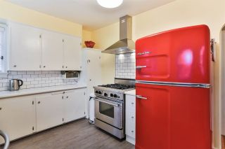 """Photo 5: 829 W 17TH Avenue in Vancouver: Cambie House for sale in """"DOUGLAS PARK"""" (Vancouver West)  : MLS®# R2026317"""