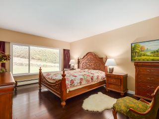 Photo 10: 77 DESSWOOD Place in West Vancouver: Glenmore House for sale : MLS®# V1090987