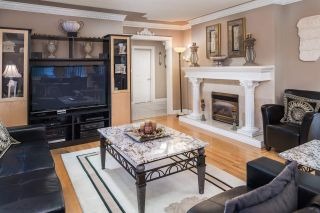 Photo 3: 1600 HOLDOM Avenue in Burnaby: Parkcrest House for sale (Burnaby North)  : MLS®# R2165020