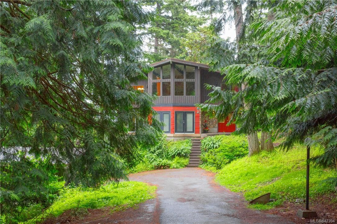 Main Photo: 3322 Fulton Rd in Colwood: Co Triangle House for sale : MLS®# 842394