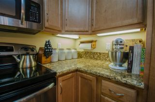 Photo 6: CLAIREMONT Condo for sale : 2 bedrooms : 5252 Balboa Arms #122 in San Diego