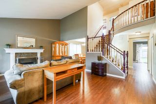 Photo 2: 3369 OSBORNE Street in Port Coquitlam: Woodland Acres PQ House for sale : MLS®# R2528437