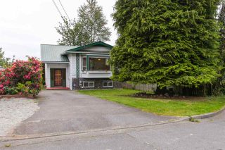 Photo 1: 32886 1ST Avenue in Mission: Mission BC House for sale : MLS®# R2073993