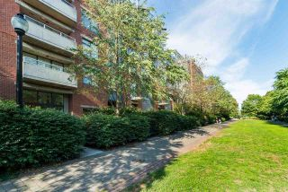 """Photo 31: 202 2181 W 12TH Avenue in Vancouver: Kitsilano Condo for sale in """"The Carlings"""" (Vancouver West)  : MLS®# R2579636"""