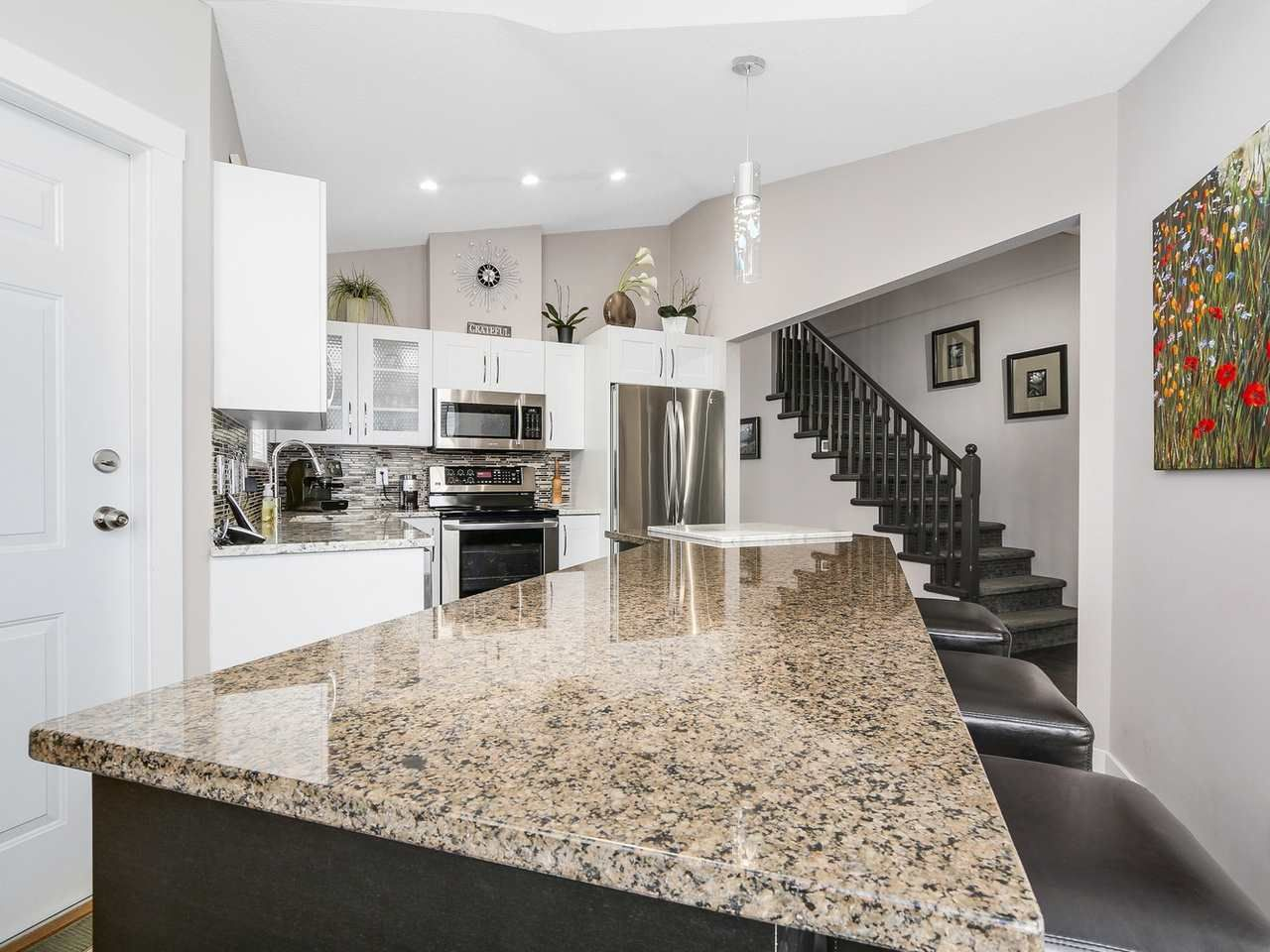 """Photo 6: Photos: 72 9208 208 Street in Langley: Walnut Grove Townhouse for sale in """"CHURCHILL PARK"""" : MLS®# R2155500"""
