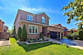 Photo 2: 20 Lacey Drive in Whitby: Pringle Creek House (2-Storey) for sale : MLS®# E5367996