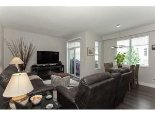 """Photo 6: 113 19433 68 Avenue in Surrey: Clayton Townhouse for sale in """"The Grove"""" (Cloverdale)  : MLS®# R2303599"""