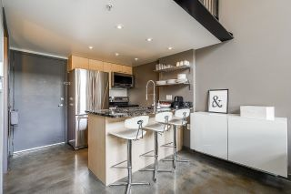 """Photo 5: 502 1 E CORDOVA Street in Vancouver: Downtown VE Condo for sale in """"CARRALL STATION"""" (Vancouver East)  : MLS®# R2598724"""