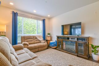 """Photo 4: 307 33540 MAYFAIR Avenue in Abbotsford: Central Abbotsford Condo for sale in """"RESIDENCES AT GATEWAY"""" : MLS®# R2527416"""