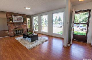 Photo 3: 210 Meglund Crescent in Saskatoon: Wildwood Residential for sale : MLS®# SK729419