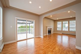 """Photo 4: 33834 GREWALL Crescent in Mission: Mission BC House for sale in """"College Heights"""" : MLS®# R2256686"""