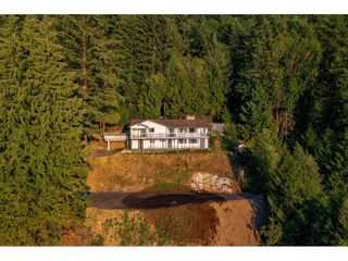 Photo 6: 43015 OLD ORCHARD Road in Chilliwack: Chilliwack Mountain House for sale : MLS®# R2607290