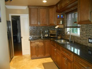 Photo 3: SAN DIEGO House for sale : 3 bedrooms : 5619 vale way