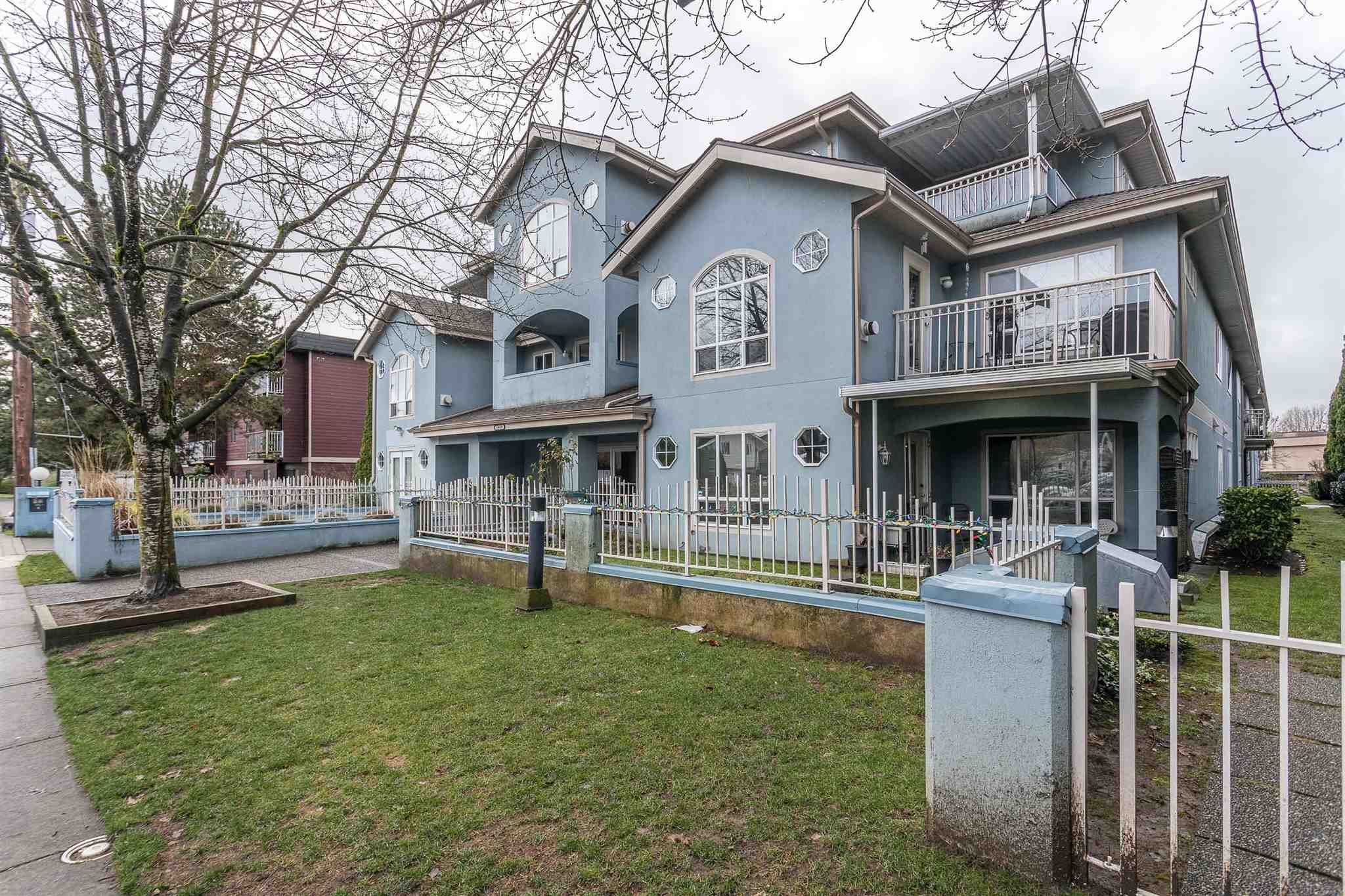 """Main Photo: 107 5909 177B Street in Surrey: Cloverdale BC Condo for sale in """"Carridge Court"""" (Cloverdale)  : MLS®# R2602969"""