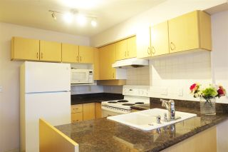 """Photo 2: 802 6611 COONEY Road in Richmond: Brighouse Condo for sale in """"MANHATTAN TOWER"""" : MLS®# R2143069"""