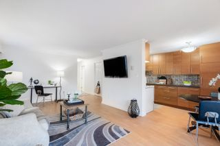 """Photo 4: 104 2424 CYPRESS Street in Vancouver: Kitsilano Condo for sale in """"Cypress Place"""" (Vancouver West)  : MLS®# R2623646"""
