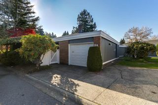 """Photo 4: 124 14271 18A Avenue in Surrey: Sunnyside Park Surrey Townhouse for sale in """"Ocean Bluff Court"""" (South Surrey White Rock)  : MLS®# R2318434"""