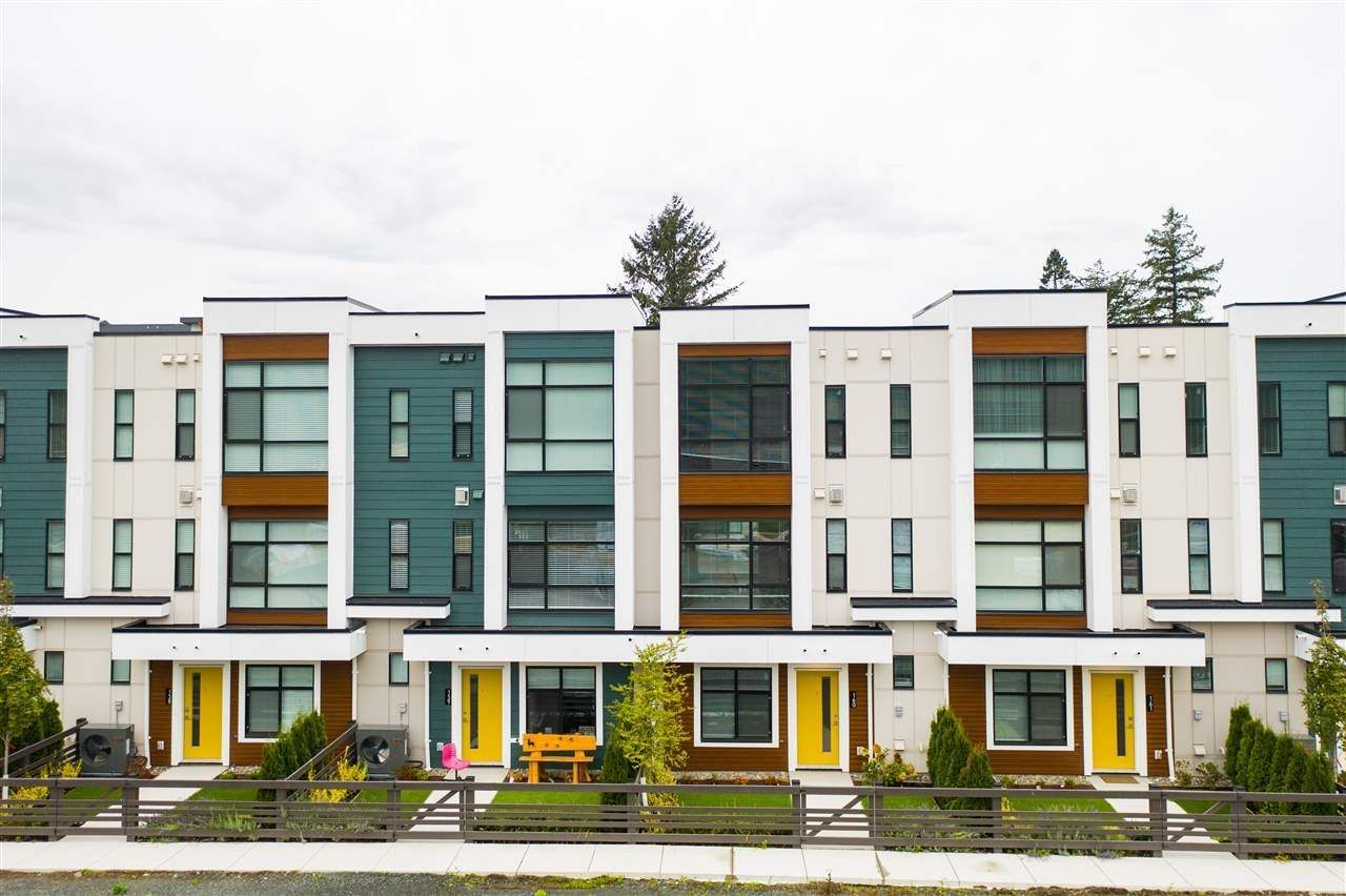 """Main Photo: 172 46150 THOMAS Road in Chilliwack: Sardis East Vedder Rd Townhouse for sale in """"BASE 10"""" (Sardis)  : MLS®# R2555670"""