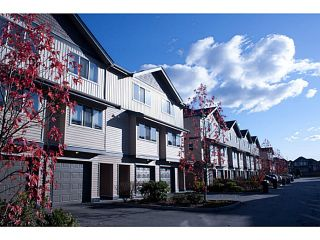 """Photo 2: 35 1268 RIVERSIDE Drive in Port Coquitlam: Riverwood Townhouse for sale in """"SOMERSTON LANE"""" : MLS®# V1034261"""