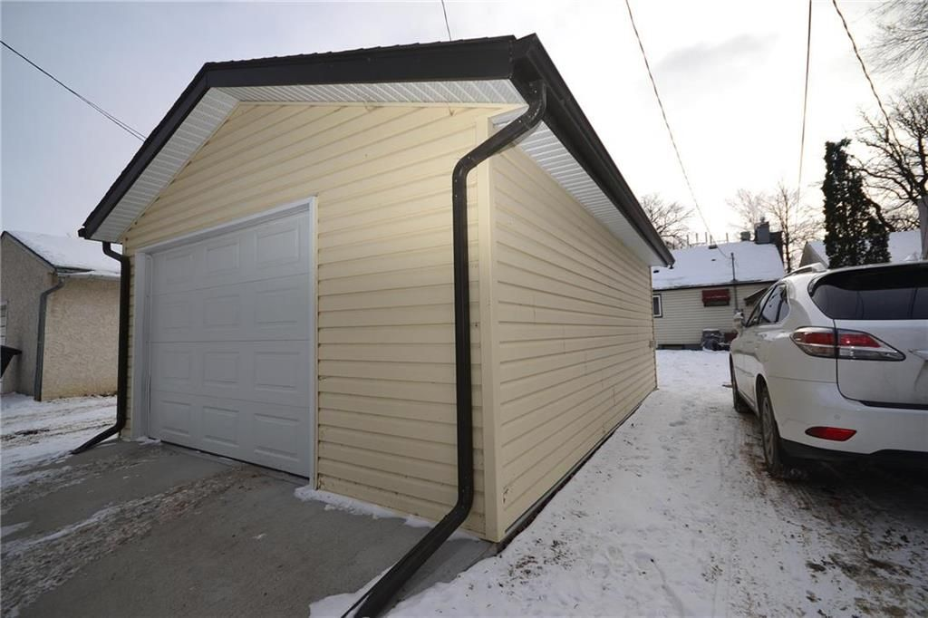 Photo 16: Photos: 245 Dumoulin Street in Winnipeg: St Boniface Residential for sale (2A)  : MLS®# 202000469