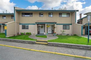 """Photo 2: 46 5850 177B Street in Surrey: Cloverdale BC Townhouse for sale in """"Dogwood Gardens"""" (Cloverdale)  : MLS®# R2577262"""