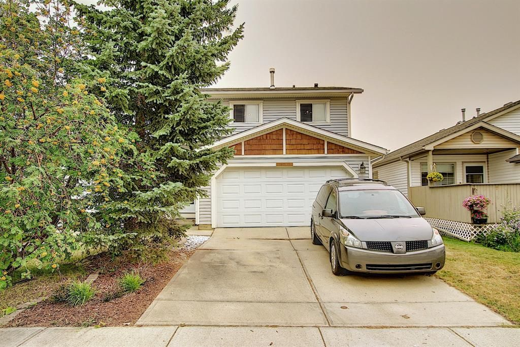 Main Photo: 52 Everglade Drive SE: Airdrie Semi Detached for sale : MLS®# A1139182